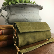 CLUTCH OLIVE - SUEDE - GARBO
