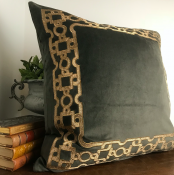 PILLOWCASE BROWN VELVET GOLD FRAME - ZARI