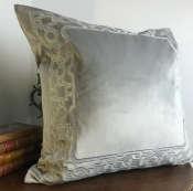 PILLOWCASE SILVER GREY VELVET SILVER FRAME - ZARI