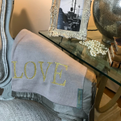 BLANKET KNITTED GREY/GOLD TEXT - LOVE