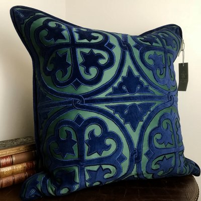 PILLOWCASE GREEN/BLUE EMBROIDERED - AMORE